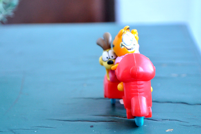 garfield meal toy
