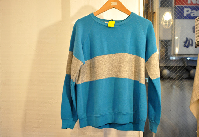 Bi-color sweat shirts