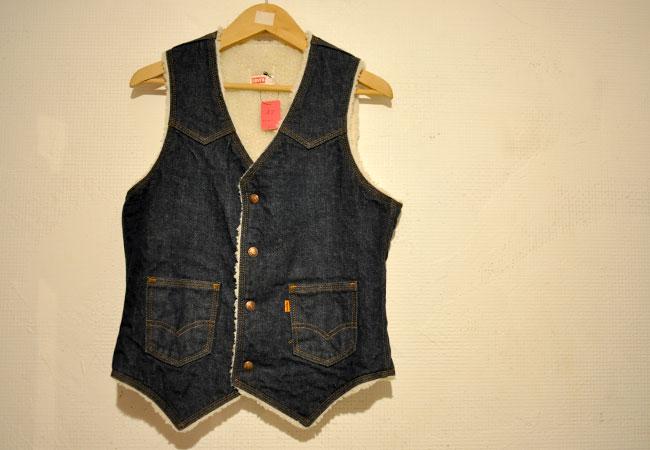 Levi's Bore Vest. SIZE:SMALL 4900yen