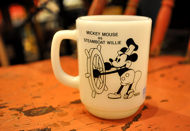 FIREKING MICKEY MOUSE STEAM BOAT WILLIE 9oz MUG.6000yen