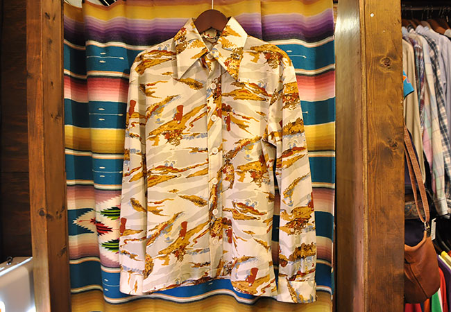 Old Polyester Shirts. 2900yen